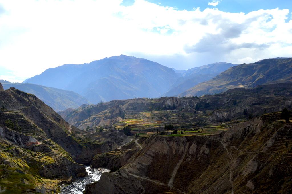 Colca nehrinde yürüyüş,Peru